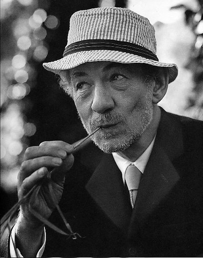 Don't ask me how I went from the Australian public healthy system to Ian Mckellen. Any excuse for a gorgeous picture of him up!